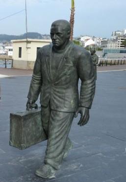 escultura-emigrante-puerto-vigo